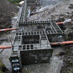 Stützmauer-Matsch