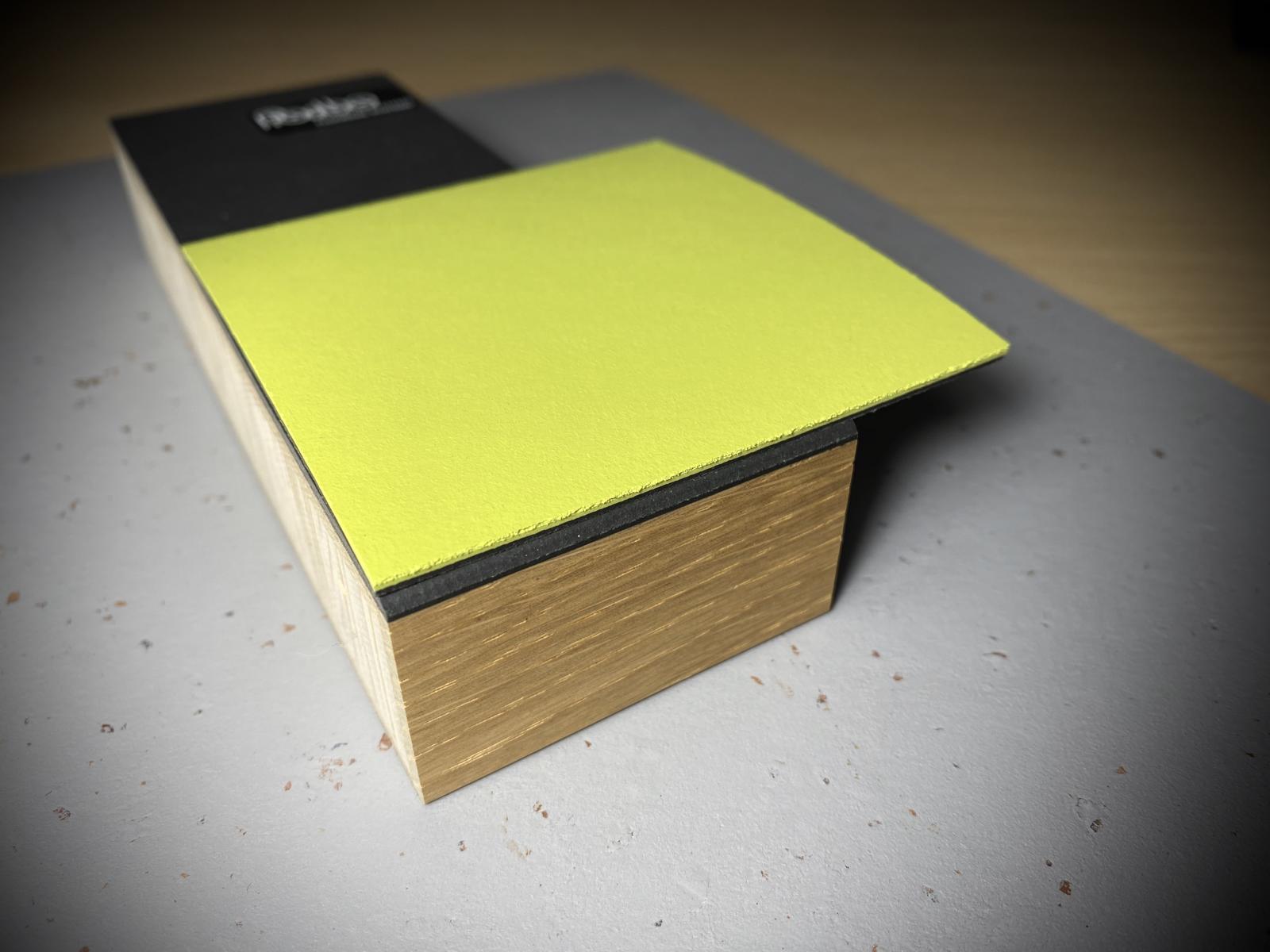 Esstisch Linoleum grün